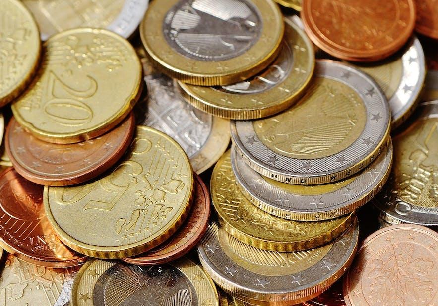 Les subdivisions comme les centimes ne font pas partie de la devise islandaise.