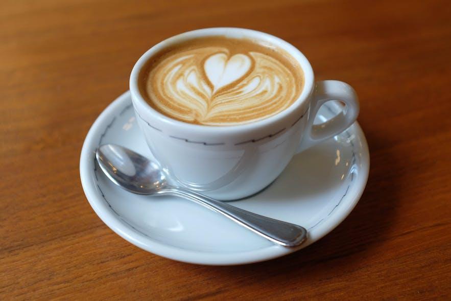 Le café Barista en Islande est d'un standard fantastique
