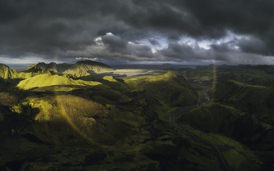 冰岛内陆高地的夏季景色