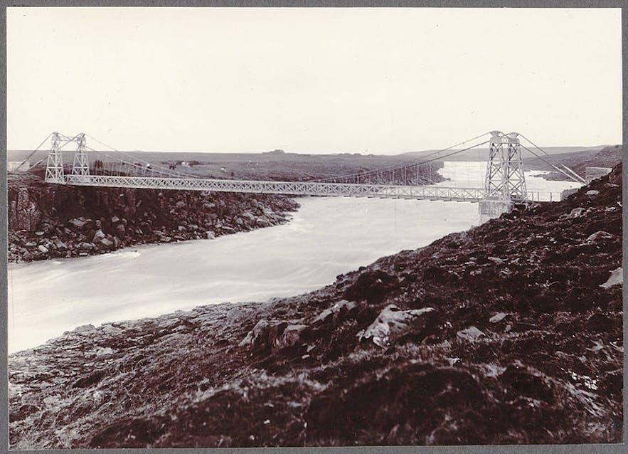 A 1900 photograph of Thjórsá bridge. Photograph is by Frederick W.W. Howell.