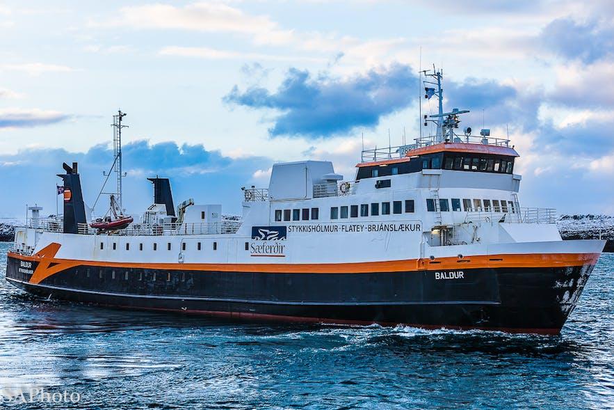 Baldur渡轮从斯奈山半岛前往冰岛西峡湾