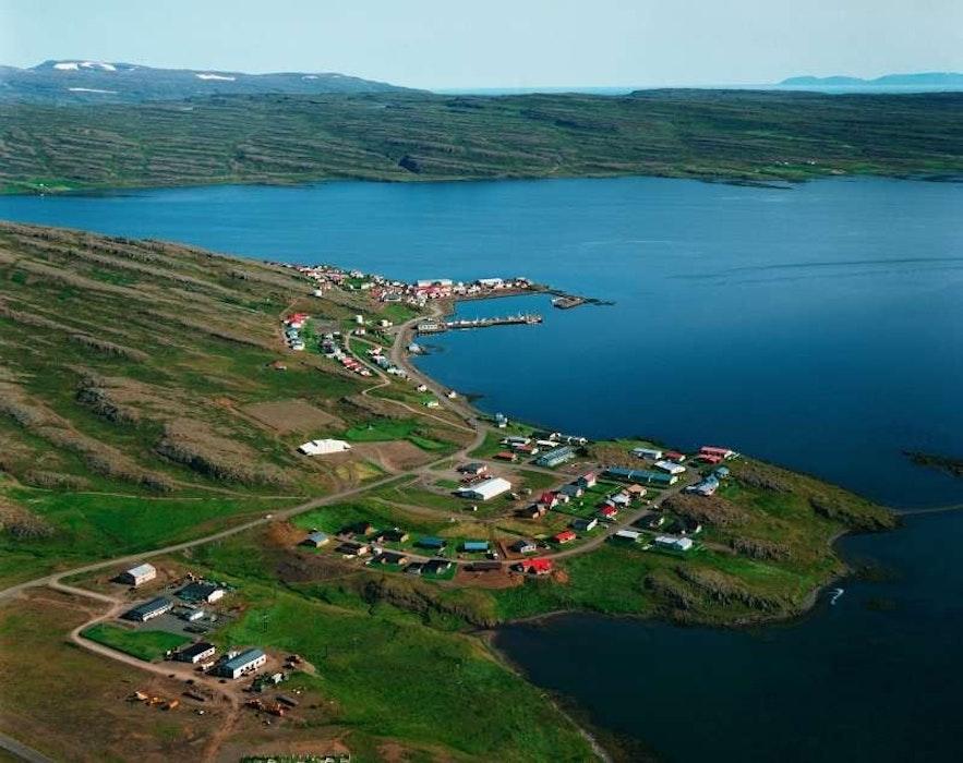 冰岛西部峡湾侯尔马维克