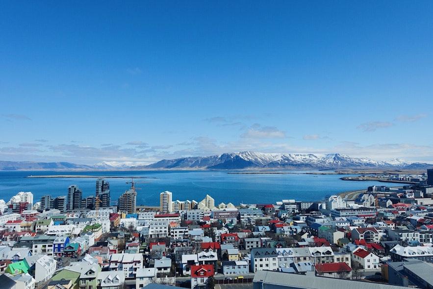 아이슬란드는 멋진 자연 환경으로 잘 알려져있지만 도심에도 관광할만한 볼거리들이 많습니다