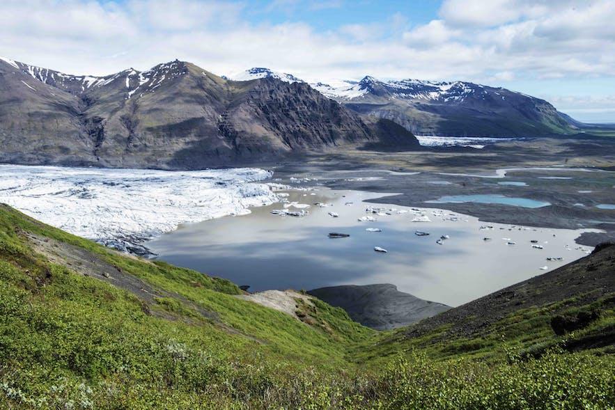 A glacier lagoon in Skaftafell National Park