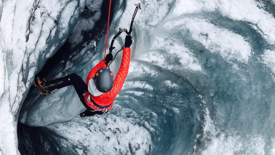 escalade sur glace en Islande
