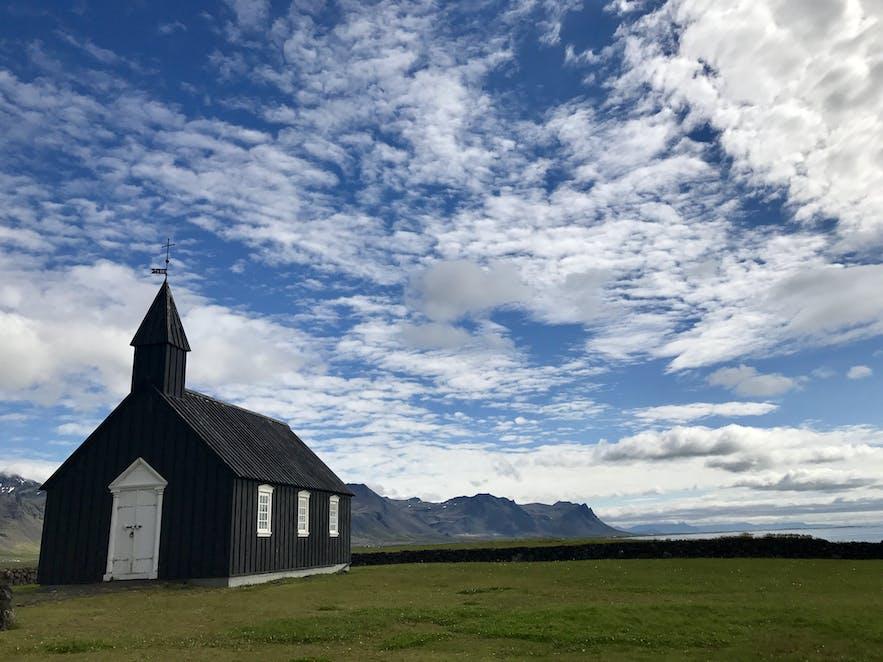冰島布迪爾黑色教堂