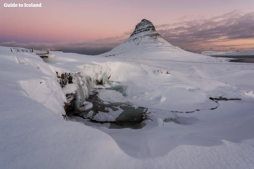 冰島教堂山冬季