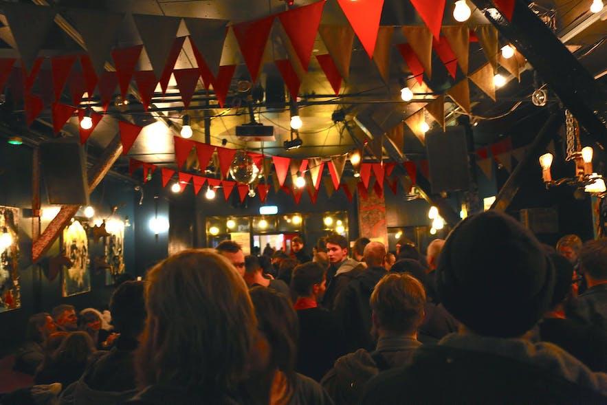 冰岛雷克雅未克Húrra酒吧音乐演出