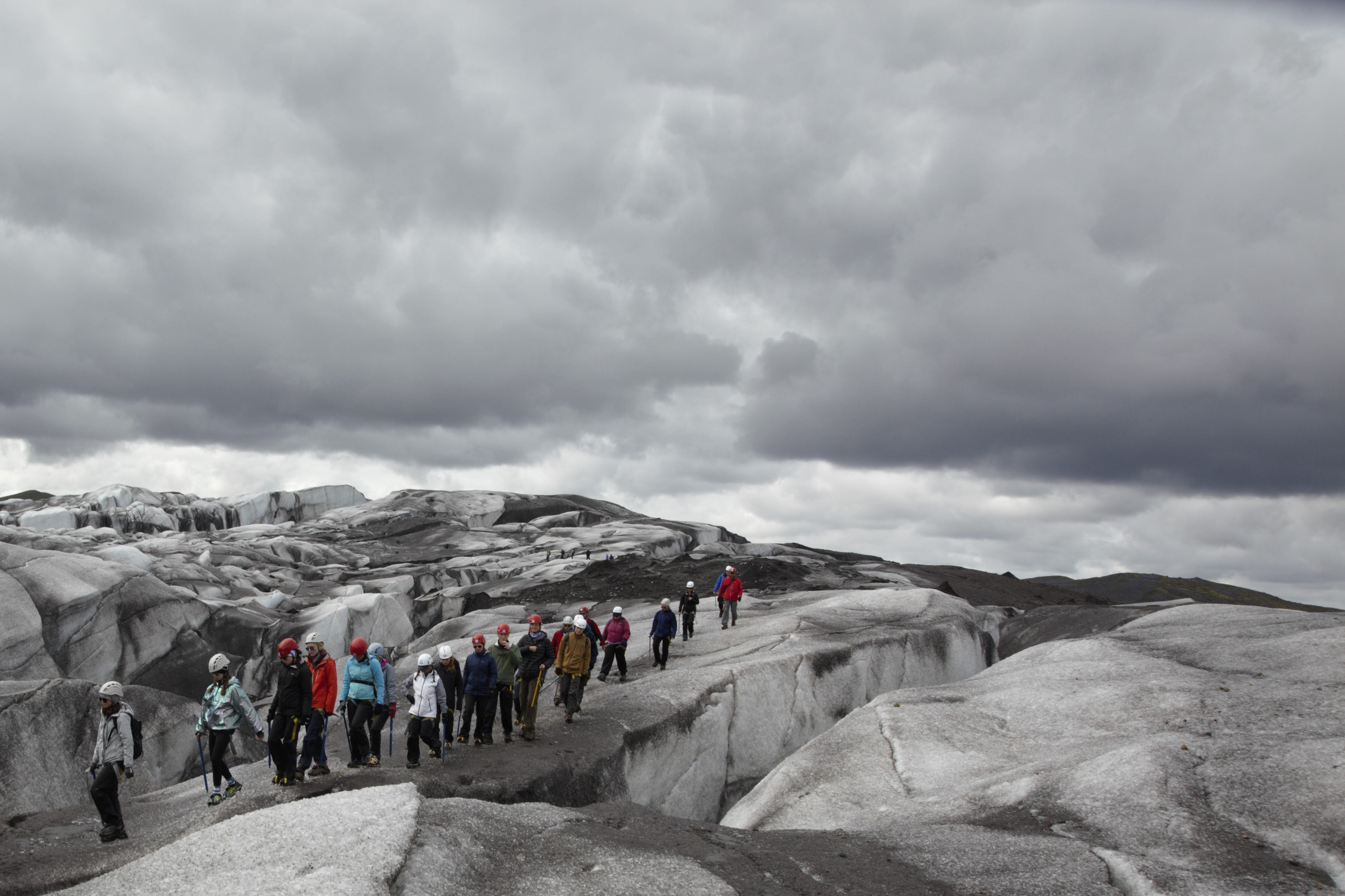 Hiking on Svínafellsjökull in South Iceland is an activity that runs throughout the year, summer and winter.
