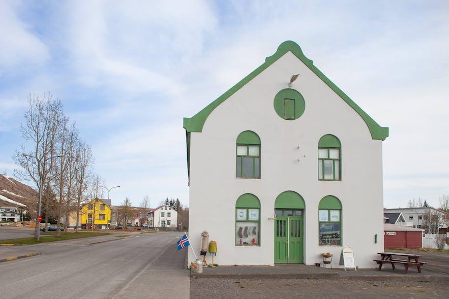 Kaðlín from the front.