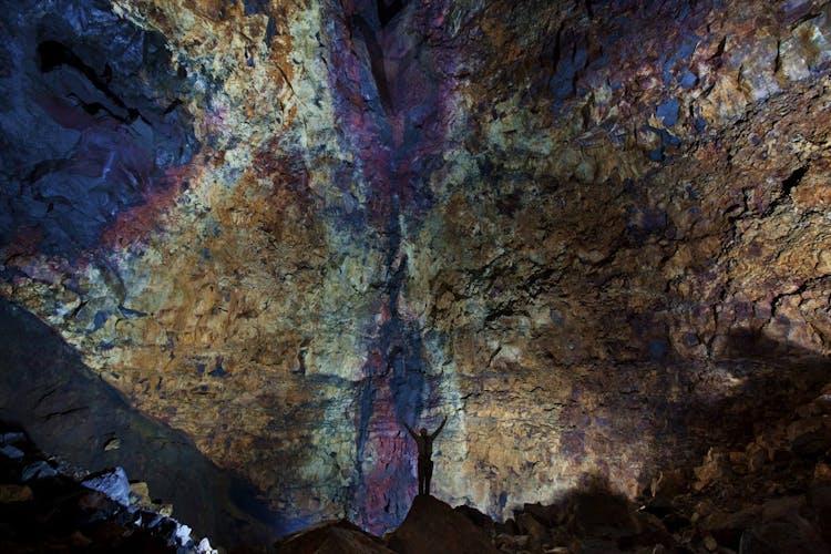 See the vibrant colours inside Þríhnúkagígur volcano's magma chamber.