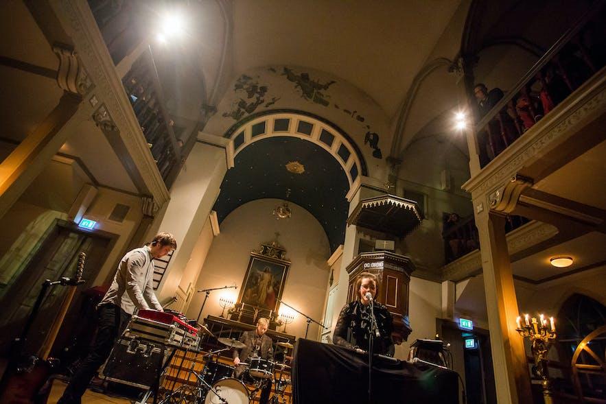 在冰岛听一场现场演出-雷克雅未克最佳音乐live地点