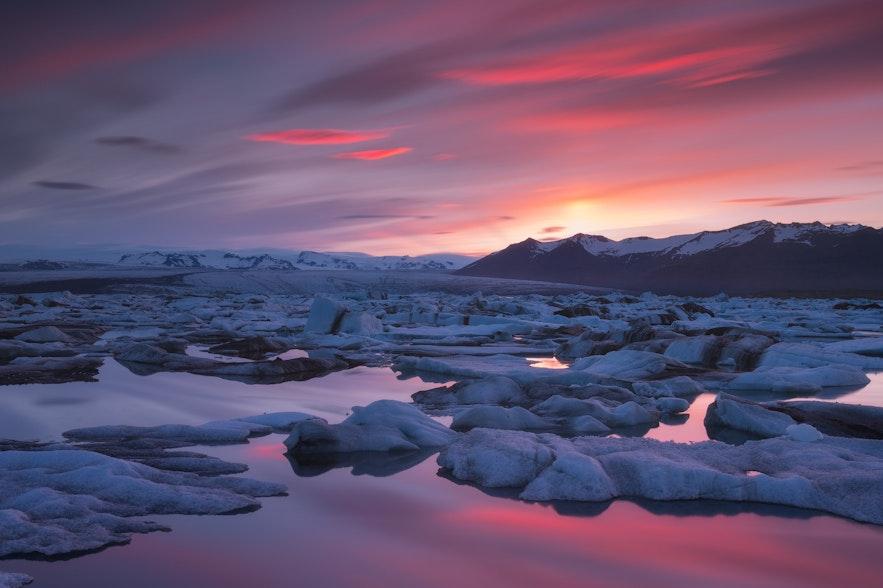 冰島傑古沙龍冰河湖日落