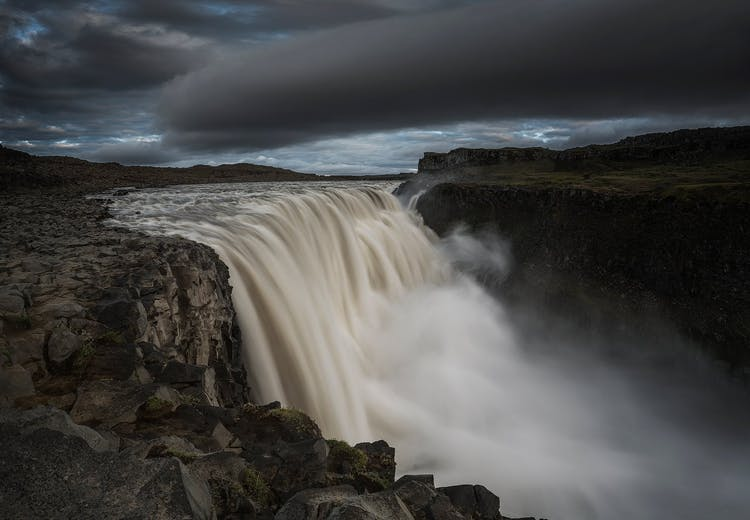 The Norwegian waterfal, Sarpefossen, outmatches Dettifoss in terms of average water flow, but is only about half the size.