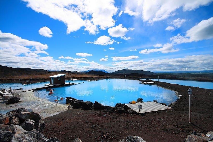 Die Mývatn-Naturbäder sind eine ruhigere und günstigere Alternative zur Blauen Lagune