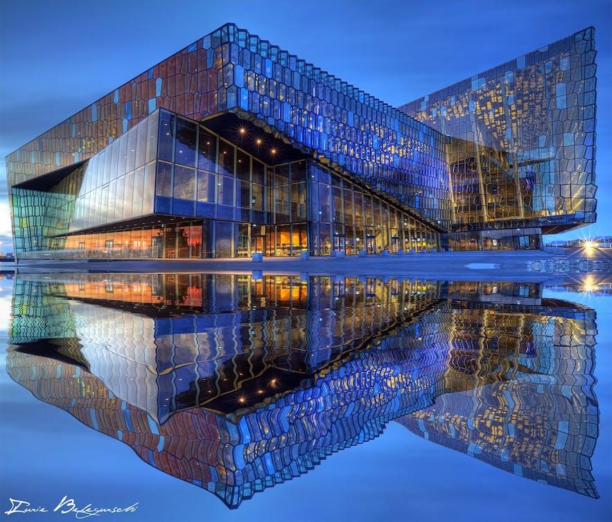 冰岛首都雷克雅未克地标哈帕音乐厅和会议中心Harpa