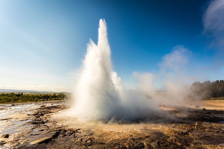 Every five to ten minutes, the geyser Strokkur blasts water to heights that can exceed 40 m (130 ft).