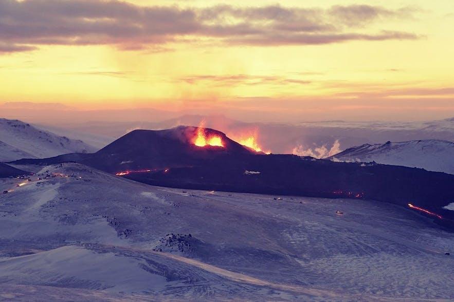 Volcanic Eruption at Eyjafjallajökull. Photo by Ulrich Latzenhofer via CC Commons