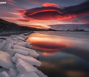 แพ็คเกจ 8 วันช่วงฤดูหนาว | ถนนวงแหวนของประเทศไอซ์แลนด์เป็นกลุ่มเล็ก