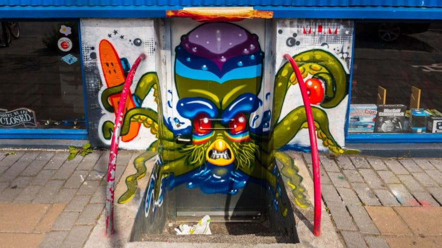 It's a psychedelic octopus with a skateboard. Obviously.