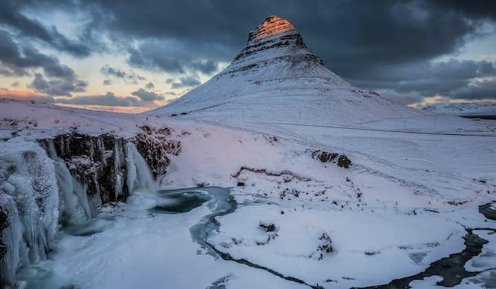 冬のアイスランド一周旅行11日間 レイキャビク自由行動・氷の洞窟探検オプション付き