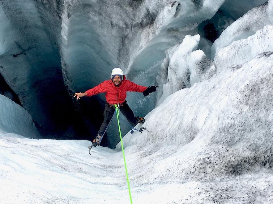 L'escalade sur glace semble difficile mais c'est fun