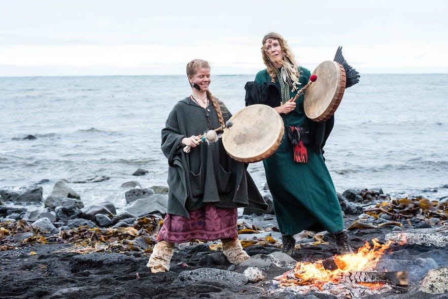 사가 페스트는 아이슬란드의 전통 문학 이야기에서 영감을 받은 축제입니다.
