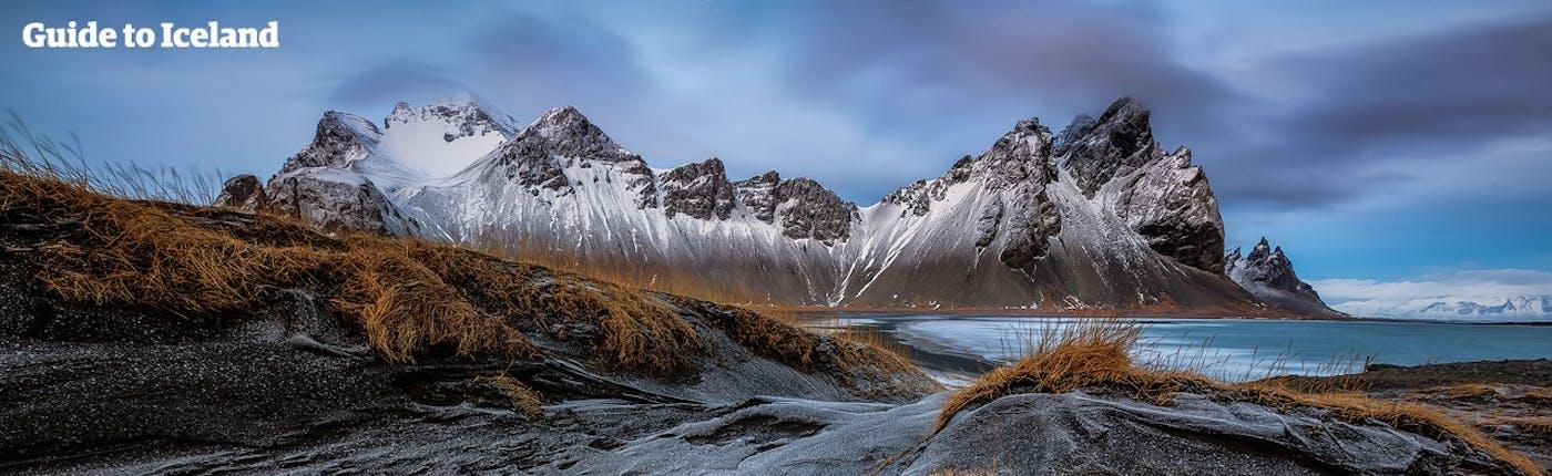 Góra Vestrahorn pokryta śniegiem