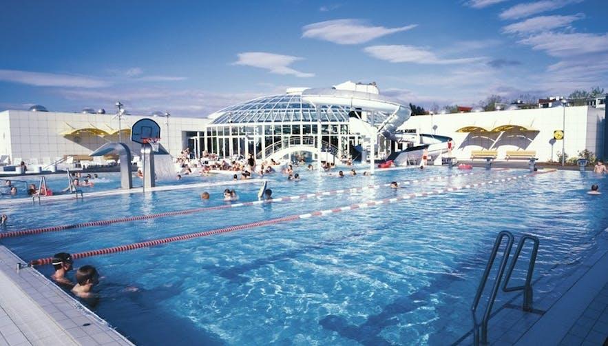 Árbæjarlaug泳馆