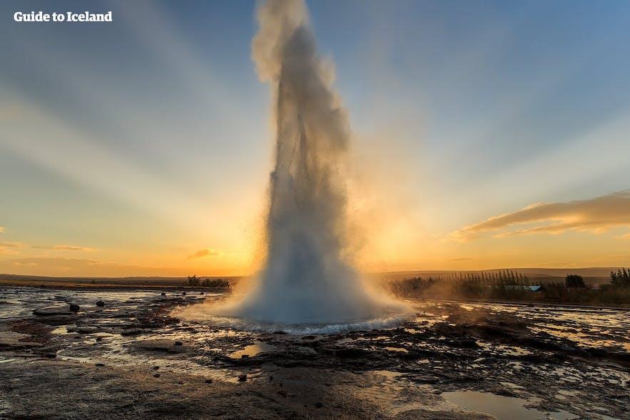 冰岛著名景区间歇泉(Geysir)