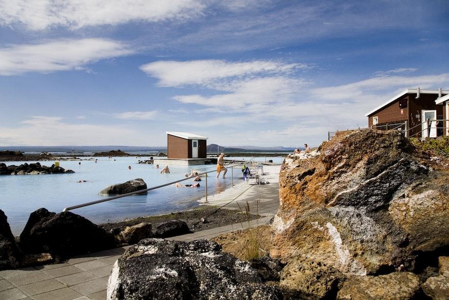米湖温泉的景致并不比蓝湖温泉差
