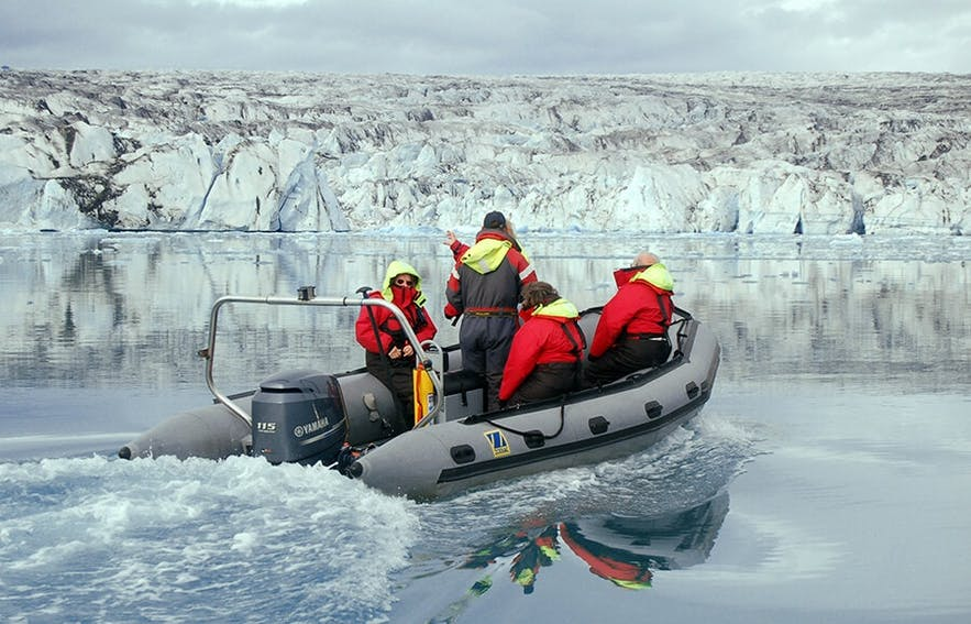 杰古沙龙冰河湖快艇船游