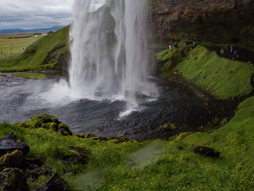 Day 17 of 3 week Iceland trip to Eyjafjallajökull and a Tire problem to solve