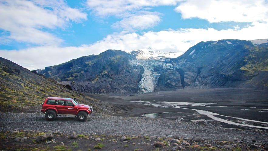自驾游玩冰岛是很多人的首选出行方式