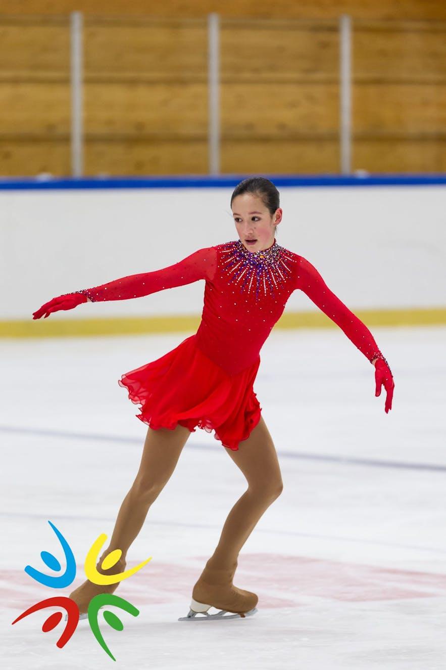 Eine Eiskunstläuferin bei den Spielen