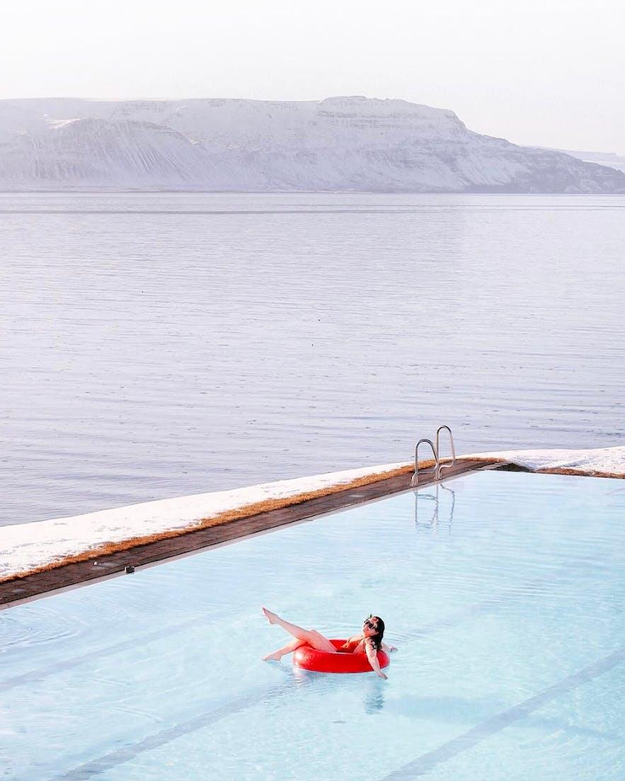 冰島泳池溫泉