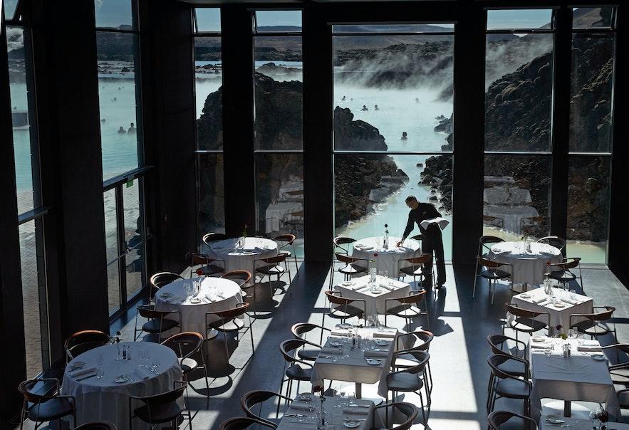 Ресторан Lava («Лава») в Голубой лагуне.