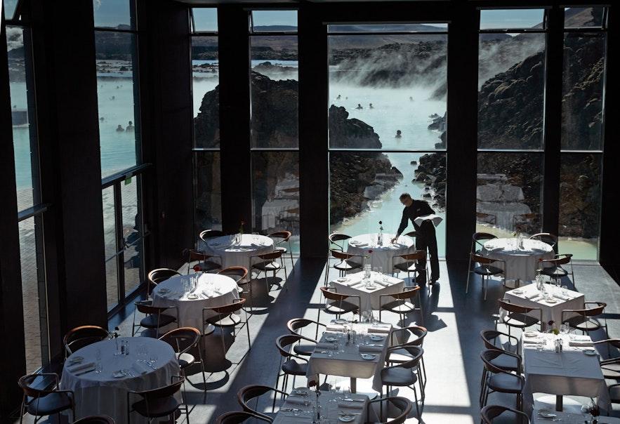 Lava Restaurant vid Blå lagunen på Island