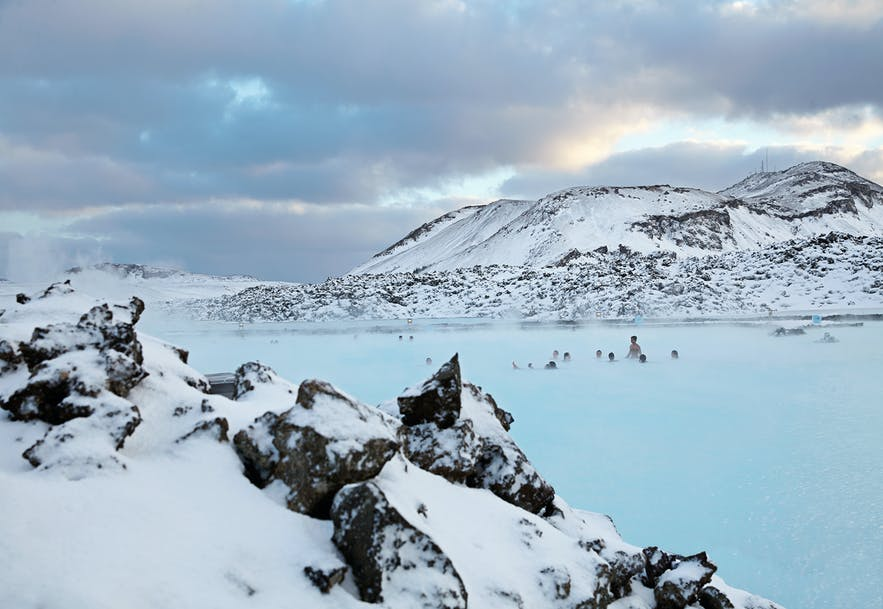 Die Blaue Lagune im Winterwunderland