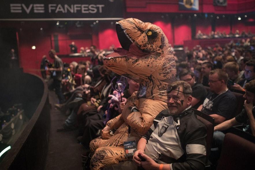 EVE-Fanfest เป็นงานเทศกาลที่เต็มไปด้วยคาแรกเตอร์แปลกๆ มากมาย
