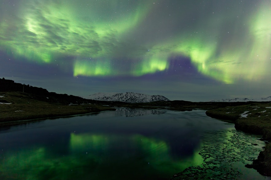 Im April kann man noch immer einen Blick auf die Nordlichter erhaschen