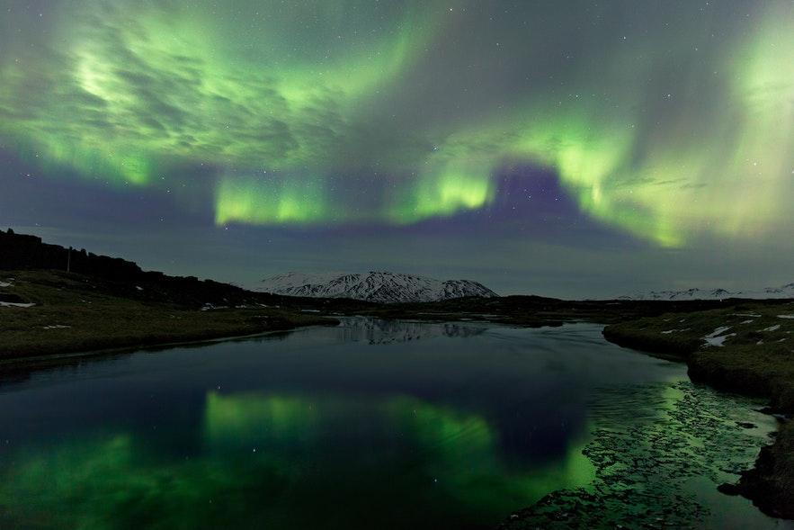 Début avril, vous pouvez voir les dernières aurores boréales en Islande