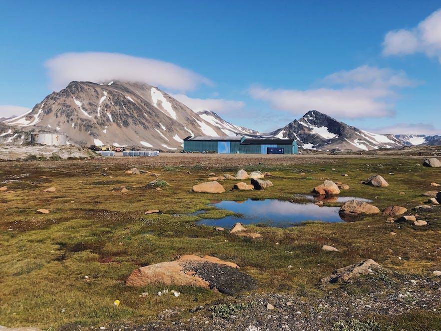 格陵兰Kulusuk小镇的美丽夏天