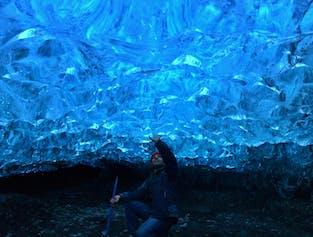 천연 빙하 동굴 투어  브레이다메르쿠르요쿨 빙하