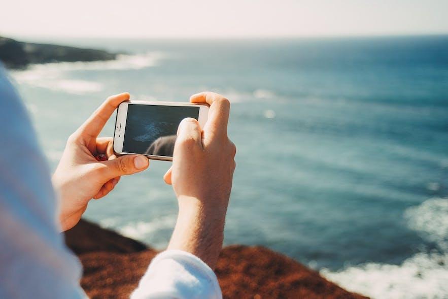 아이슬란드 여행을 위해 다운로드 받아야 할 가장 유용한 앱을 소개합니다!