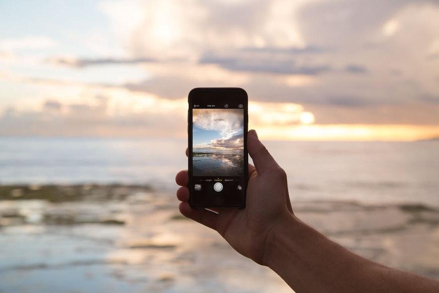 일상 생활에서 사용하는 다양한 앱들이 여행 중에도 매우 유용한 경우가 있습니다. 해외 여행 전 다음의 앱을 다운받아 보세요.