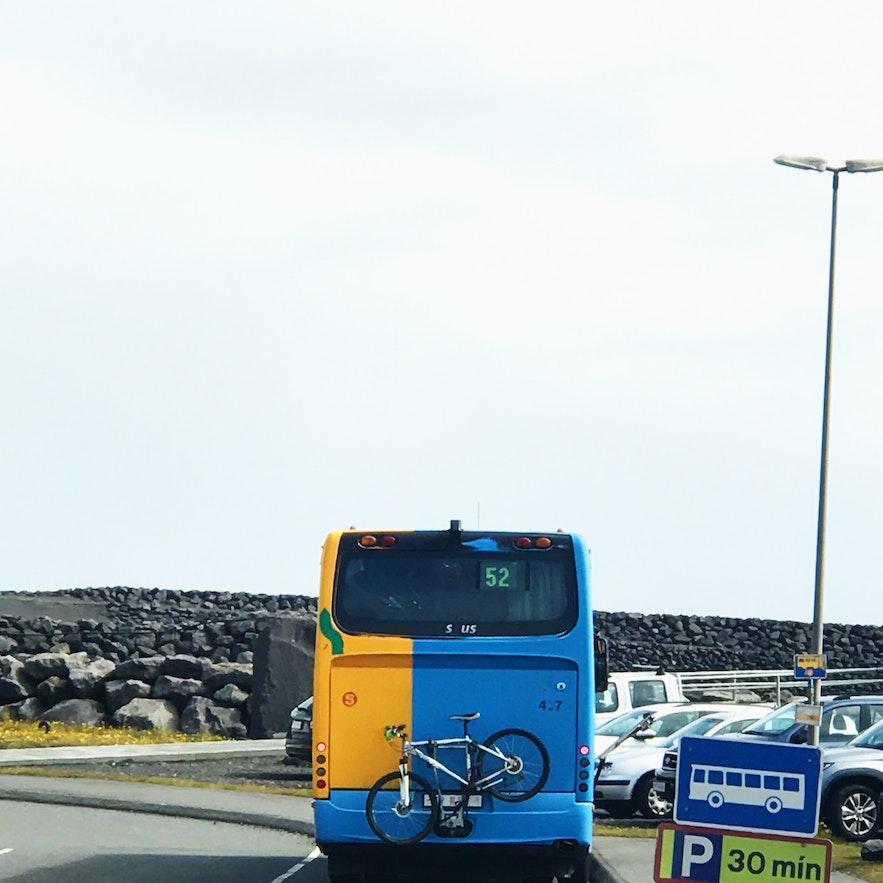 雷克雅未克去西人島渡輪碼頭公共巴士