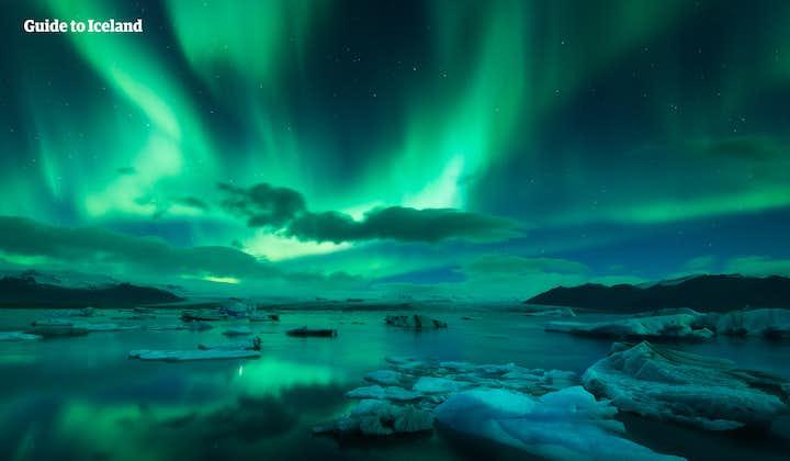 Islandscirkeln på ett guidat 8-dagarsvinteräventyr