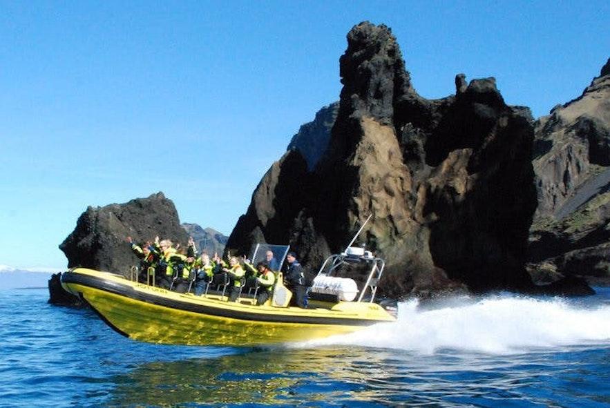 冰島西人島快艇