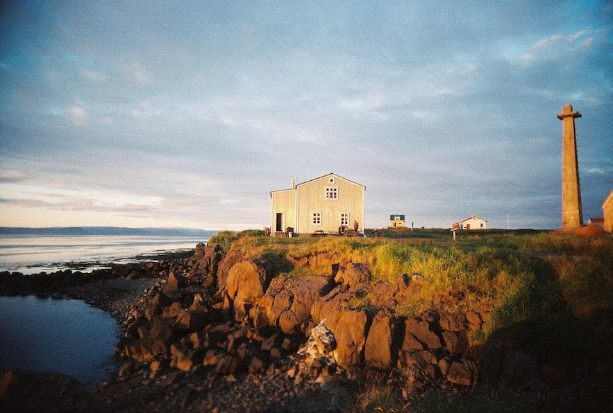 冰岛Flatey小岛夏季日落